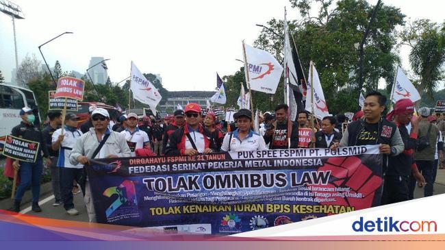 Apa Itu Omnibus Law yang Didemo Buruh di DPR?