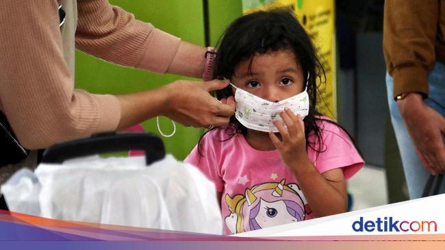 Anak di Bawah 2 Tahun Tak Perlu Pakai Masker, Ini