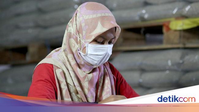 Penting Nih Tips Pakai Masker Earloop Untuk Hijabers