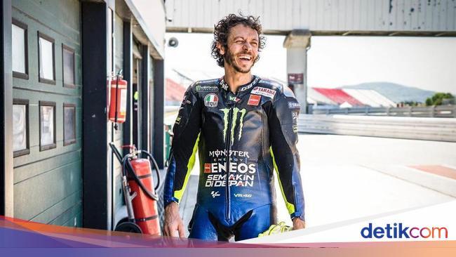 Rossi Memang Tinggalkan Honda ke Yamaha untuk Bukt