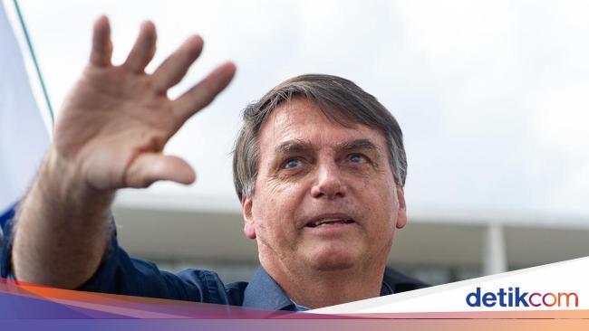 Jejak Presiden Bolsonaro Ikuti Trump untuk Keluar