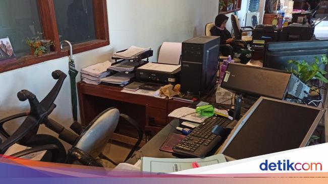Alasan Ini yang Bikin ASN Banyuwangi Ngamuk Rusak Kantor Dispendukcapil