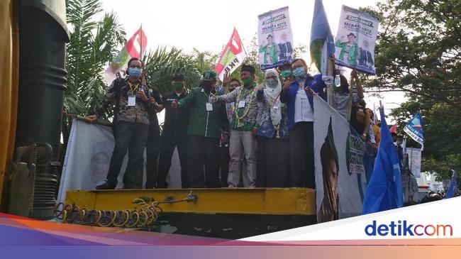 Diangkut Truk Kontainer Sholihin Ratnawati Mendaftar Ke Kpu Indramayu