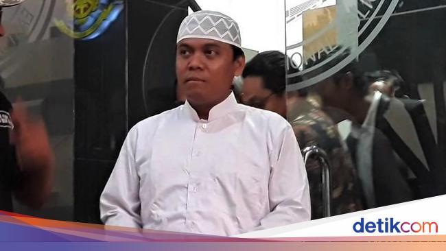 Gus Nur Protes Penangkapan, Polri Persilakan Prape