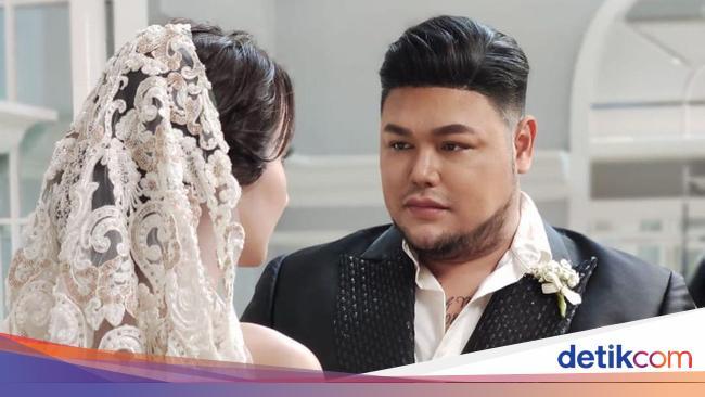 Ivan Gunawan Buka Suara Usai Heboh Foto Prewedding