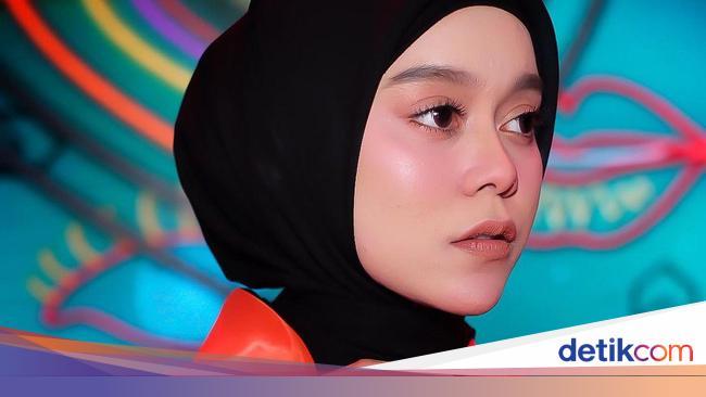 7 Tutorial Hijab Ala Lesti Kejora Hijab Segi Empat Hingga Pashmina