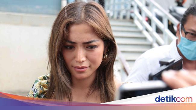 Jessica Iskandar menanggapi masalah perpindahan agama