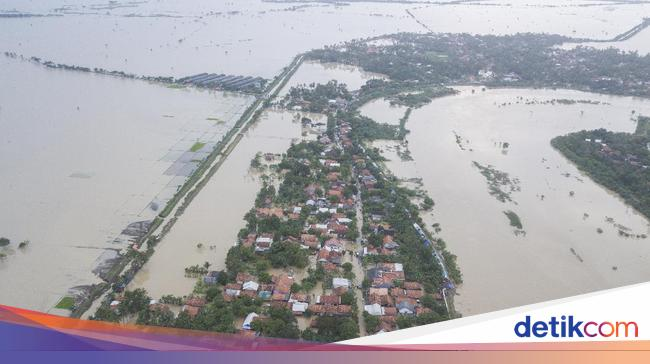 detikNews Foto Udara Banjir di Kabupaten Bekasi Imbas Tanggul Citarum Jebol