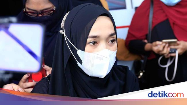 Nissa Sabyan Bantah Selingkuh dengan Ayus, Ririe F