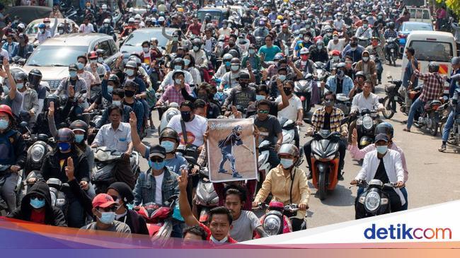 Demo Antikudeta di Myanmar yang Kian Hari Kian Gah