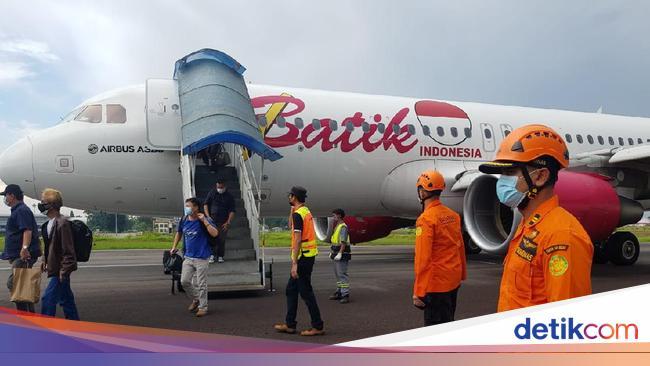 Pesawat Batik Air yang Mendarat Darurat di Jambi B