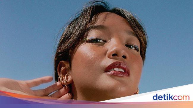 Cerita Selebgram Sarah Azka Jual Preset Lightroom, Bisnis ...