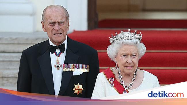 Wolipop 10 Foto Kemesraan Pangeran Philip - Ratu E