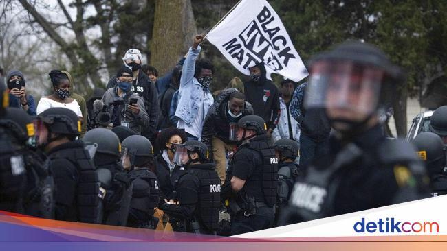 Aksi Undur Diri Polisi di AS Usai Tembak Pria Kuli
