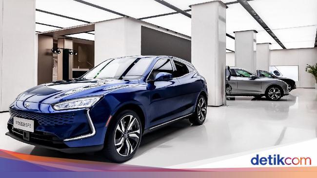Huawei sekarang membuat mobil, begitulah tampilannya