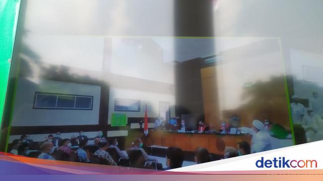 Debat Jaksa Habib Rizieq: Anda Mengkriminalisasi Maulid Nabi!