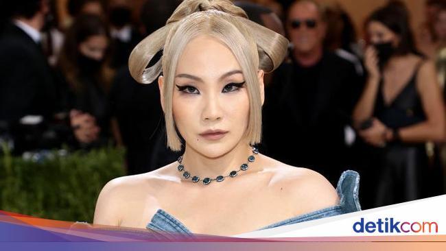 Gaya CL Pakai Underwear di MET Gala Tuai Pro Kontra, Disebut Pakai Popok