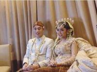 Pakai Baju Pengantin, Lucinta Luna Sudah Menikah?