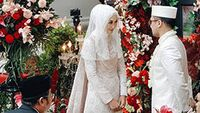 Intip Potret Pernikahan Dian Pelangi dan Sandy Nasution