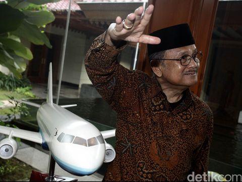 Pesawat R80 rancangan mantan Presiden BJ Habibie