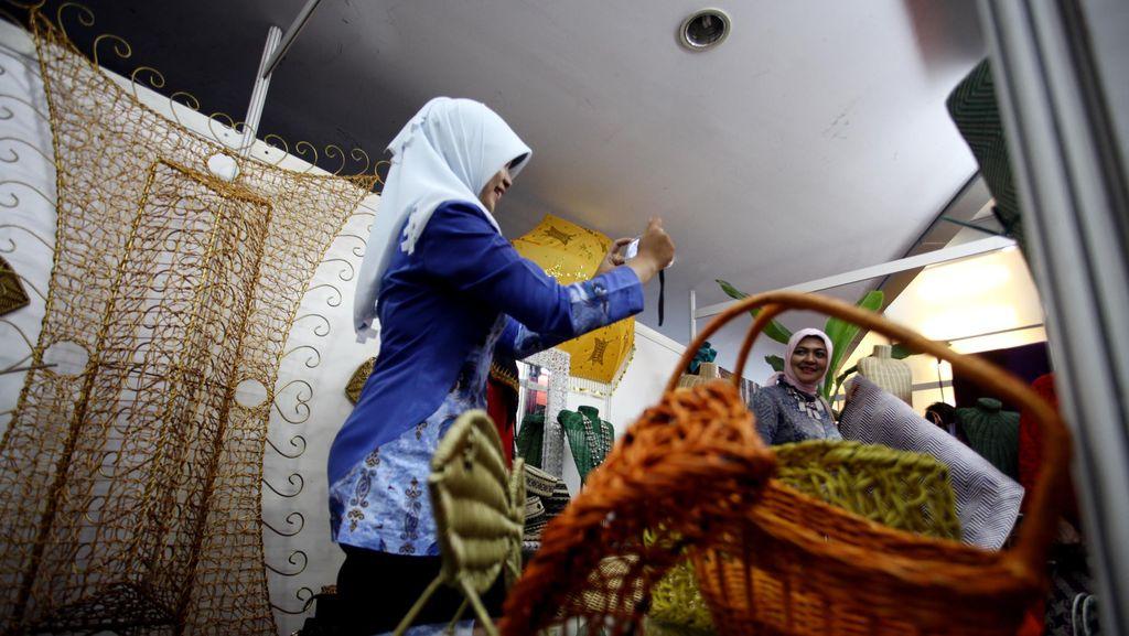 Dampak Corona, Aktivitas Ekspor-Impor Produk Unggulan Desa Terganggu