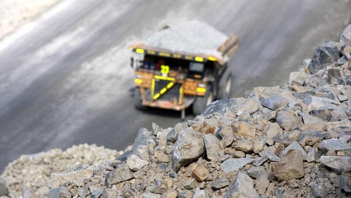 Tambang Batu Hijau PT Newmont terletak di Nusa Tenggara Barat (NTB). detikcom berksempatan melihat dari dekat proses penambangan tembaga, emas dan perak di Sumbawa, NTB, tersebut,Rabu, (29/06/2011). file/detikfoto