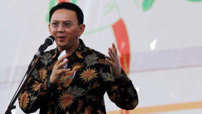 Pekan Raya Jakarta (PRJ) yang bertempat di Monas dibuka sore ini. Pesta rakyat dalam rangka HUT ke-487 Jakarta itu dibuka oleh Plt Gubernur DKI Basuki Tjahaja Purnama (Ahok), Selasa (10/6/2014).