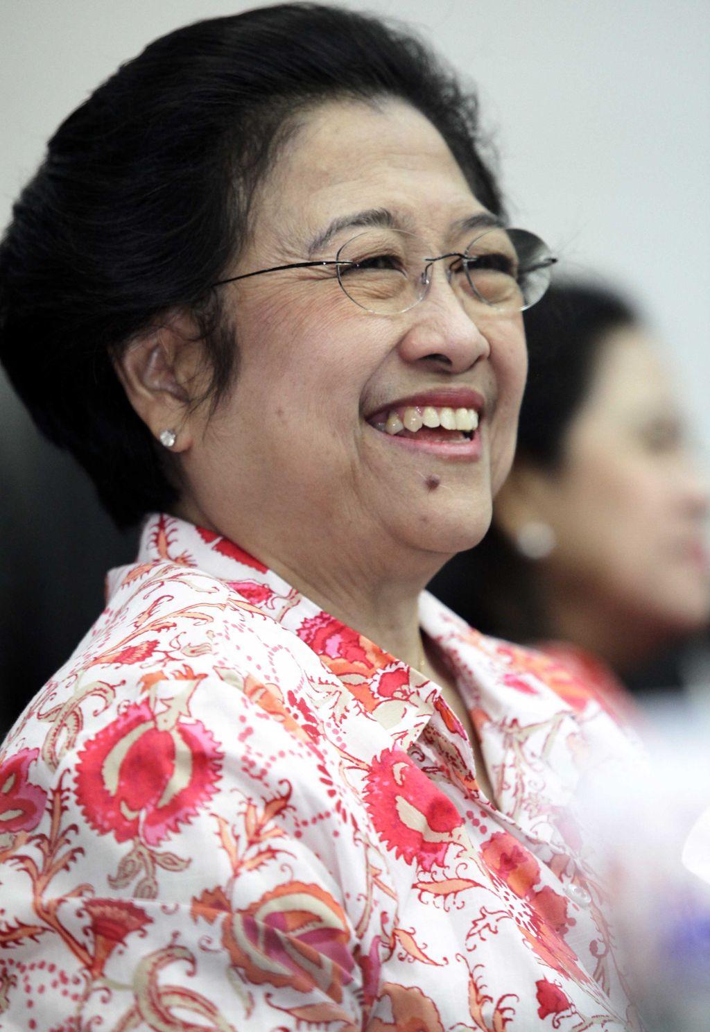 Megawati Soekarnoputri  saat memberikan sambutan dalam diskusi