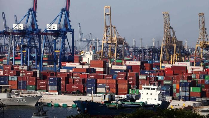 Bank Indonesia (BI) memprediksi neraca pembayaran Maret 2014 surplus pada kisaran US$ 500 juta. Surplus ini didorong peningkatan ekspor non migas, yang telah terjadi beberapa bulan terakhir.