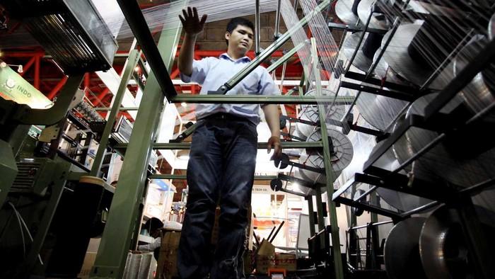 Pameran Industri Tekstil kembali digelar di kawasan JIEXPO Kemayoran, Jakarta Pusat. Ratusan produsen dan distributor menawarkan keunggulan mesin-mesin produk penghasil tekstil.