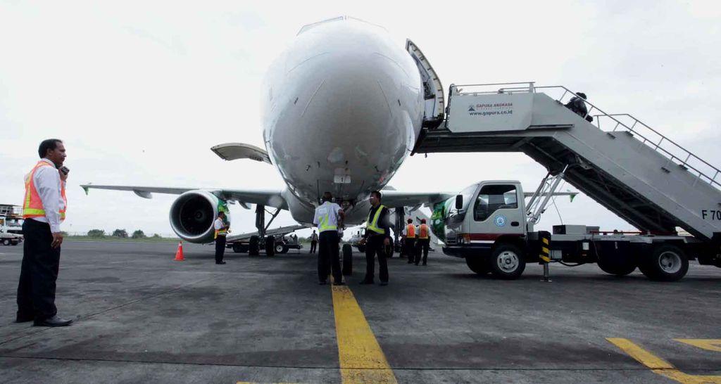 Salah satu pesawat baru maskapai Citilink, Airbus A320 melakukan special flight dari Jakarta ke Bali, Senin (27/5/2013). Pesawat tersebut akan melengkapi armada Airbus A320 yang telah mencapai 22 unit. Citilink akan terus menambah pesawat Airbus A320 hingga 50 unit pada tahun 2015. File detikFoto.