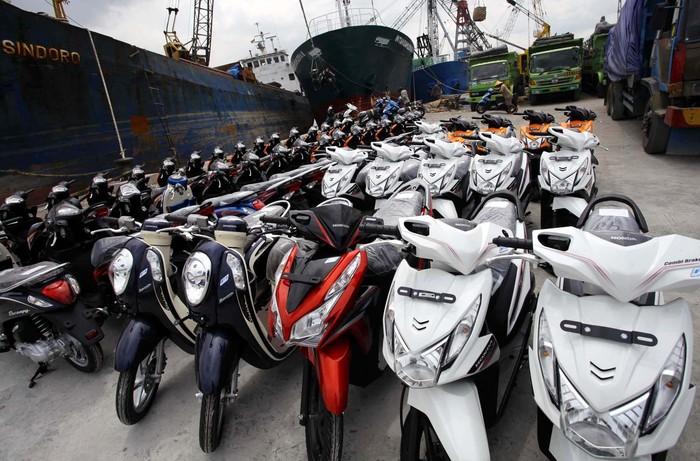 Pertumbuhan penjualan sepeda motor melambat di bulan November dibandingkan Oktober. Sebagaimana diketahui, Bank Indonesia (BI) telah menaikkan suku bunga acuan menjadi 7,5%.file detikFoto.