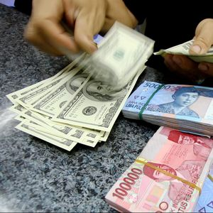 Rupiah Kembali Perkasa Lawan Dolar AS