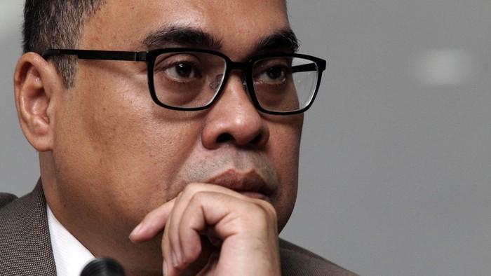 Majelis Kehormatan Mahkamah Konstitusi (MKMK)hari ini telah memutuskan bahwa Akil Mochtar terbukti melanggar kode etik dan perilaku hakim. Jakarta (1/11/2013). Akil di jatuhi sanksi dipecat dengan tidak hormat. File/detikFoto.