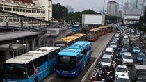 Diminta Anies, TransJ Segera Buat Pemberhentian Bus Tiap 500 Meter