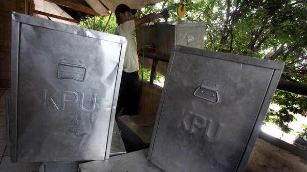 Bawaslu: Kotak Suara di 15 TPS Tangerang Dibuka Tanpa Prosedur