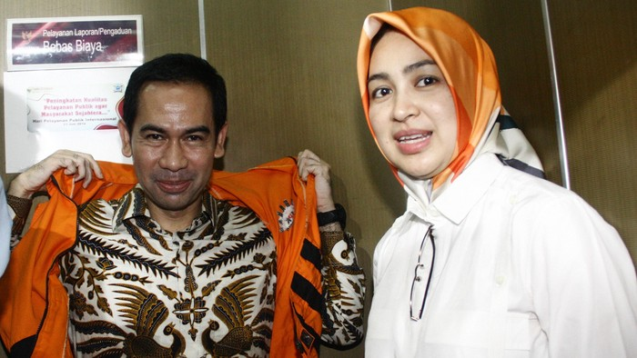 Wawan bersama istrinya, Airin Rachmi Diany. (Lamhot Aritonang)