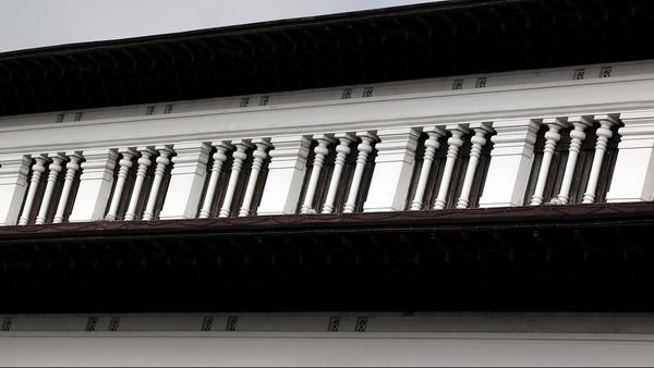 Tak hanya merancang bangunan dengan gaya arsitektur yang memadukan budaya Barat dan Timur, arah menghadap Gedung Sate pun dirancang secara detail oleh sang arsitek. Bangunan itu diketahui menghadap ke arah Gunung Tangkuban Parahu. Rengga Sancaya/Dok. Detikcom.
