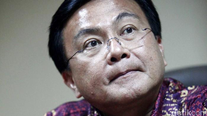 Benny Mamoto pria kelahiran Manado Sulawesi Utara yang sejak tahun 2009 menjabat sebagai direktur Badan Narkotika Nasional (BNN).