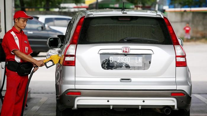 Dalam UU No. 12 Tahun 2014 tentang APBN-P 2014 telah disahkan, di mana volume kuota BBM bersubsidi dikurangi dari 48 juta KL menjadi 46 juta KL. Salah satu imbas dari pengurangan ini adalah dihentikannya penjualan BBM Premium di jalan tol mulai 6 Agustus.