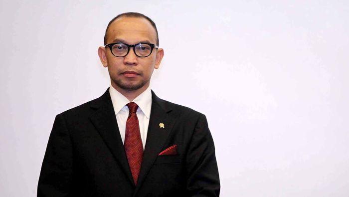 Chatib Basri resmi menjabat orang nomor satu di Kementrian Keuangan usai serah terima jabatan (sertijab) dari Pt Menkeu Hatta Rajasa, di Gedung Kemenku, Jakarta, Selasa (22/5/2013).  File/detikFoto.