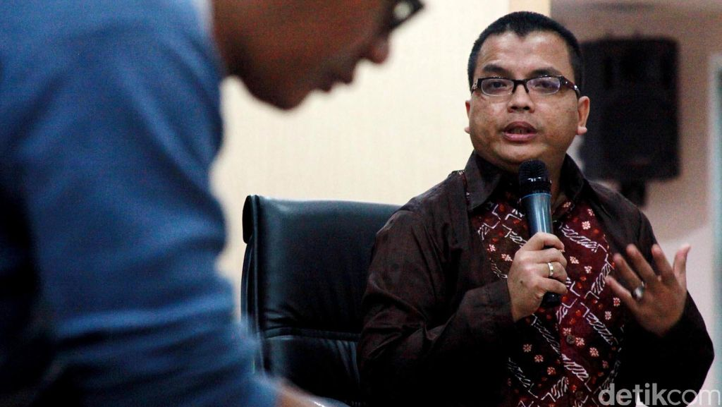 KPK vs Denny Indrayana Soal Kelanjutan Meikarta