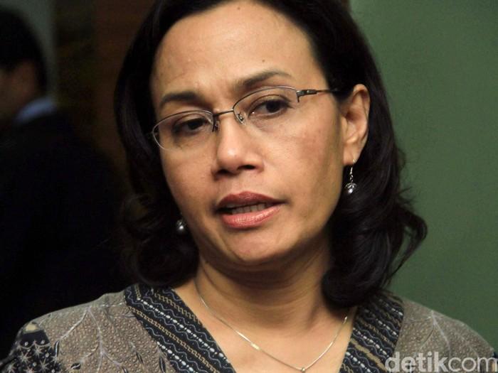 Direktur Pelaksana Bank Dunia Sri Mulyani menemui Menteri Koordinator Perekonomian Hatta Rajasa di Gedung Kementerian Koordinator Perekonomian, Jakarta, Kamis (12/7/2012). File/detikFoto.