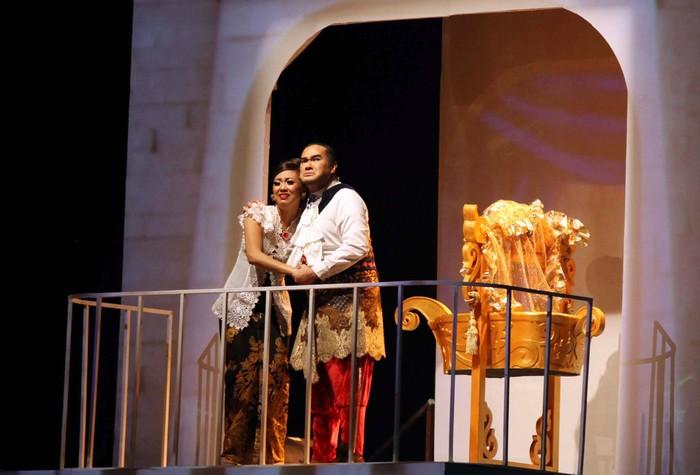 Pagelaran Drama Musikal Timun Mas digelar selama dua hari, Sabtu (29/6) dan Minggu, (30/6) di Istora Senayan Jakarta. Acara yang di dukung oleh Djarum Apresiasi Budaya itu memberikan pertunjukan cerita rakyat yang dibalut dengan unsur drama, opera, orkestra serta multimedia yang canggih. File/detikFoto.