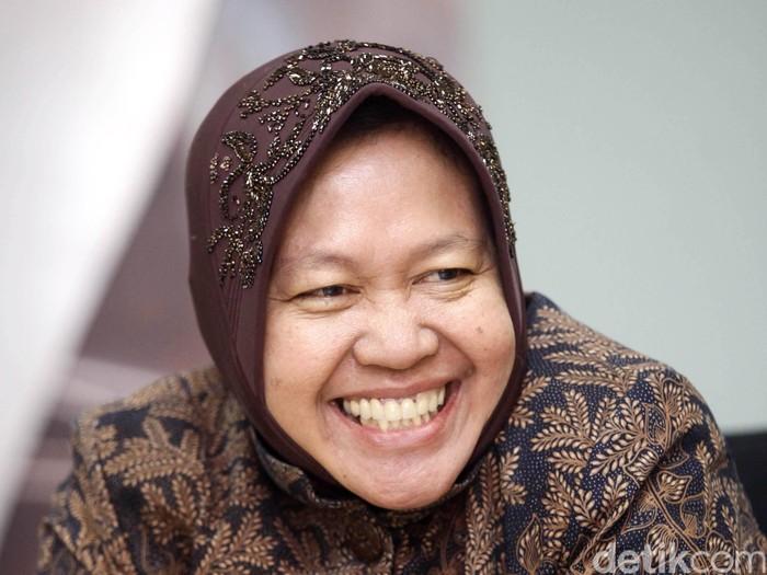 Wali Kota Surabaya Tri Rismaharini bersama Bupati Banyuwangi Abdullah Azwar Anas mengunjungi markas detikcom di Jl. Warung Jati Barat Raya, Jakarta Selatan, kamis (24/07/2014).