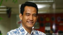 Menyimak Lagi Pengakuan Refly Harun soal Diajak Gus Nur Kolaborasi