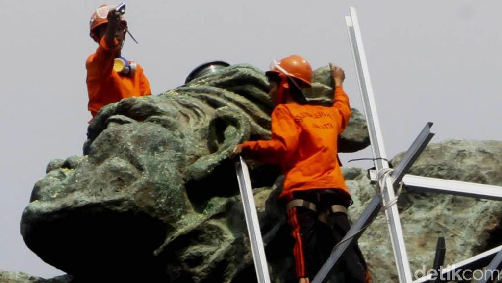 Cerita Sedih Edhi Sunarso Selesaikan Patung Pancoran