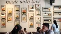 Makan di Tempat Maksimal 20 Menit, Tito: Diawasi TNI-Polri