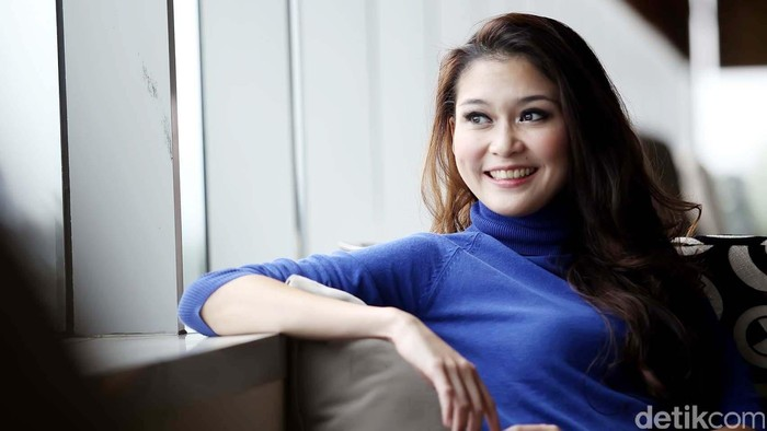 Marissa Anita adalah seorang jurnalis dan presenter berita Indonesia berumur 31 tahun.