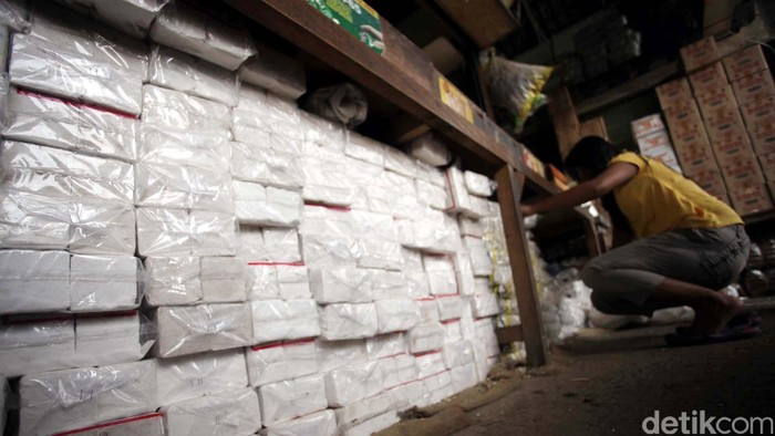 Badan Pusat Statistik (BPS) mencatat importasi garam masih berlangsung ke dalam negeri sepanjang triwulan I-2013. Tercatat impor garam sebesar 465.000 ton atau senilai US$ 21,5 juta. File/detikFoto.